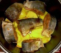 «Горбуша в мультиварке с картошкой» - приготовления блюда - шаг 3