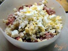 «Тефтели с гречкой и варёным яйцом в томатном соусе.» - приготовления блюда - шаг 2