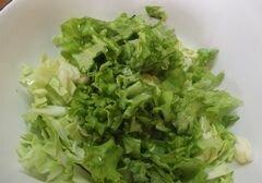 «Салат с огуречным соусом» - приготовления блюда - шаг 3