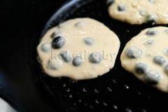 «Пышные оладьи на молоке» - приготовления блюда - шаг 6