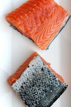 «Коричневый рис с лососем, вином и грибами» - приготовления блюда - шаг 2