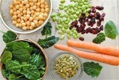 «Салат с соевыми бобами и шпинатом» - приготовления блюда - шаг 1