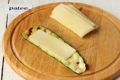 «Рулетики из цуккини с сыром» - приготовления блюда - шаг 7