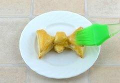 «Слойки Бантики» - приготовления блюда - шаг 9