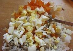 «Рыбный салат с рисом» - приготовления блюда - шаг 4