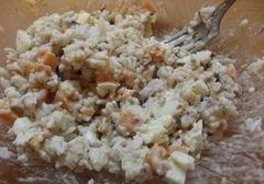«Рыбный салат с рисом» - приготовления блюда - шаг 7