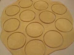 «Пончики с клубничным желе» - приготовления блюда - шаг 7