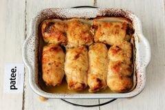 «Куриные рулетики с яблоками и изюмом» - приготовления блюда - шаг 11