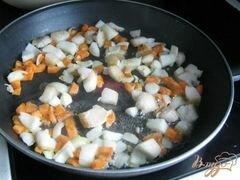 «Пирожки с паштетом из куриной печени и сердечек» - приготовления блюда - шаг 3