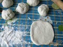 «Пирожки с паштетом из куриной печени и сердечек» - приготовления блюда - шаг 7
