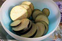 «Баклажаны под томатным соусом с корицей» - приготовления блюда - шаг 1