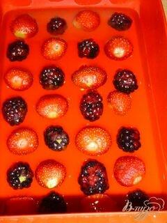 «Желейный торт с ягодами и шоколадной крошкой» - приготовления блюда - шаг 1