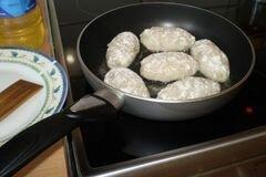 «Котлеты из щуки» - приготовления блюда - шаг 4