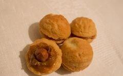 «Орешки с вареной сгущенкой и фундуком» - приготовления блюда - шаг 14