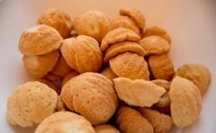 «Орешки с вареной сгущенкой и фундуком» - приготовления блюда - шаг 8