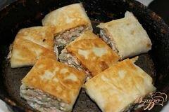 «Горячий рыбный рулет из лаваша» - приготовления блюда - шаг 6