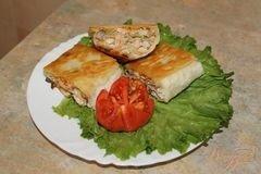 «Горячий рыбный рулет из лаваша» - приготовления блюда - шаг 7