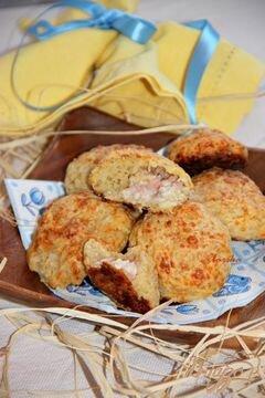 «Мини-булочки с пшеничными хлопьями и начинкой» - приготовления блюда - шаг 6