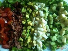 «Овощной салат с хрустящим беконом» - приготовления блюда - шаг 7