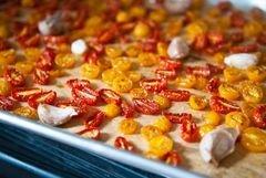 «Салат Капрезе с печеными помидорами» - приготовления блюда - шаг 5