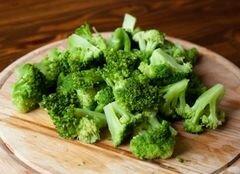 «Теплый салат из перца и брокколи» - приготовления блюда - шаг 3
