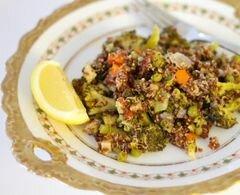 Салат из киноа с разноцветными овощами, пошаговый рецепт с фото