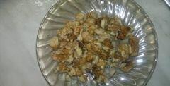«Салат из редьки дайкон, свежего огурца и грецких орехов» - приготовления блюда - шаг 4