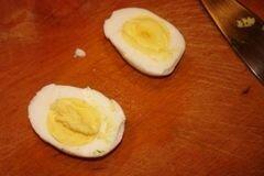 «Яйца фаршированные с голубым сыром» - приготовления блюда - шаг 3