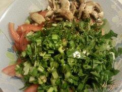 «Овощной салат с грибами» - приготовления блюда - шаг 4