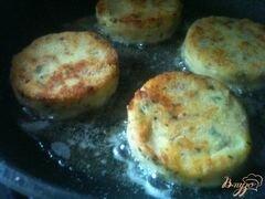 «Картофельные биточки с куриным мясом» - приготовления блюда - шаг 5