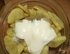 «Картофель маринованный, запеченный с луком» - приготовления блюда - шаг 2