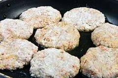 «Котлетки из крабовых палочек» - приготовления блюда - шаг 6