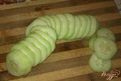 «Огуречный салат с луком на зиму» - приготовления блюда - шаг 1