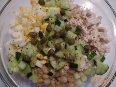 «Салат куриный с каперсами и фасолью» - приготовления блюда - шаг 2