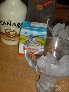 «Коктейль «Гламурный белый русский»» - приготовления блюда - шаг 1