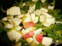 «Печень с болгарским перцем и яблоком» - приготовления блюда - шаг 3