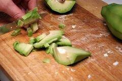 «Салат «Авокадо и креветки»» - приготовления блюда - шаг 2