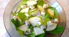 «Пикантный салат с грушей и сыром с плесенью» - приготовления блюда - шаг 3