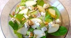 «Пикантный салат с грушей и сыром с плесенью» - приготовления блюда - шаг 4