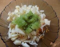 «Салат овощной с киви» - приготовления блюда - шаг 5