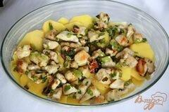 «Гратин из картофеля с куриным рагу под миндальной корочкой» - приготовления блюда - шаг 7