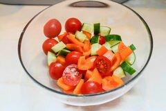 «Отличный овощной салат с грибами» - приготовления блюда - шаг 2