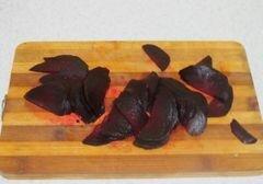 «Свекольный салатик» - приготовления блюда - шаг 2