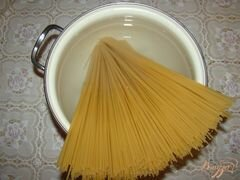 «Спагетти с грибами и помидорами» - приготовления блюда - шаг 1