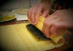 «Роллы с рыбой, сыром и перцем» - приготовления блюда - шаг 3