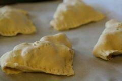 «Пирожки с яйцами и ветчиной» - приготовления блюда - шаг 9