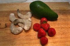 «Салат из креветок с авокадо» - приготовления блюда - шаг 1