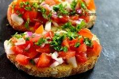 «Брускетты с помидорами и килькой» - приготовления блюда - шаг 4