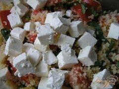«Мятный салат из кускуса с помидорами, фетой и оливками» - приготовления блюда - шаг 4