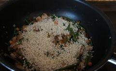 «Ризотто с грибами, стручковой фасолью и мясом» - приготовления блюда - шаг 3